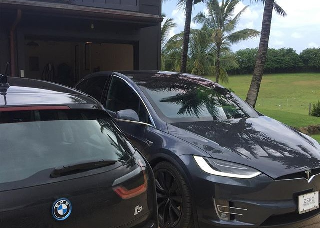 Today's power couple detail of the day. #bmwi3 #teslamodelx #cardetailoftheday #detailersofhawaii #808auto